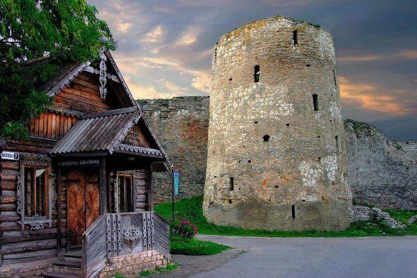 Крепость Изборск.