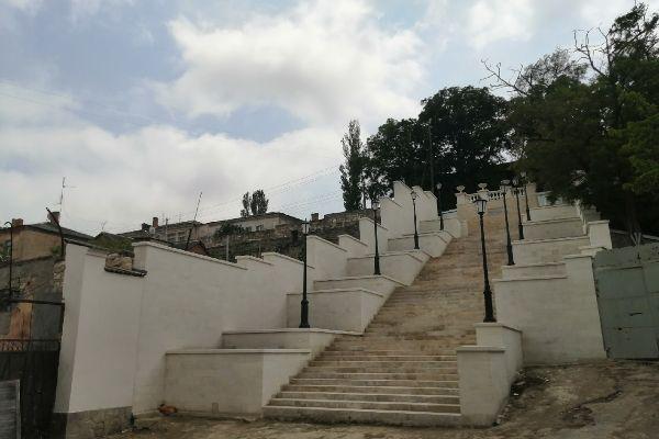 Лестница в Керчи.