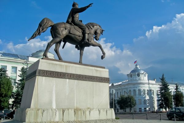 Памятник князю.