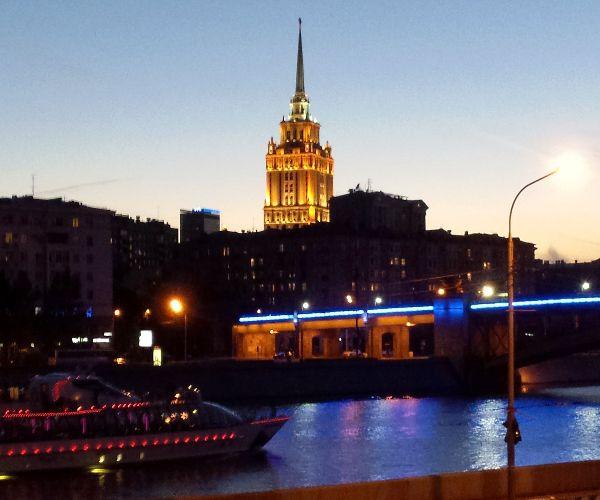 Прогулка по вечерней столице.