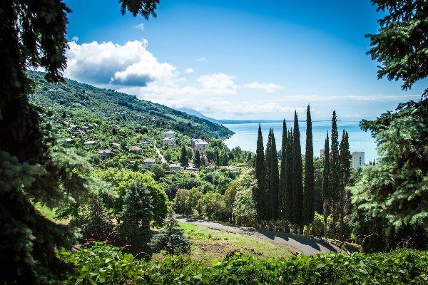 Экскурсии в Абхазию.